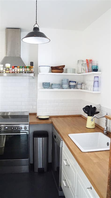 table cuisine petit espace les petites étagères de cuisine le d 39 annouchka