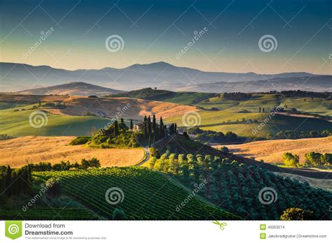 scenic tuscany landscape  sunrise val dorcia italy