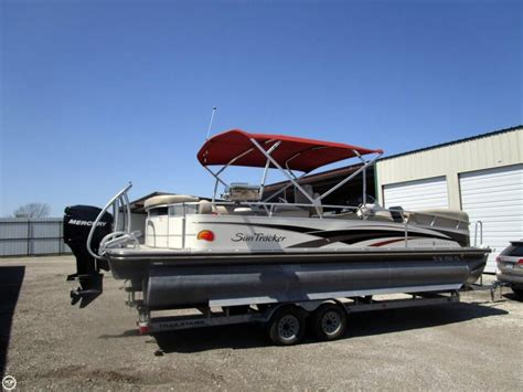 Used Tracker Pontoon Boats by 2008 Used Sun Tracker Barge 26 Regency Edition