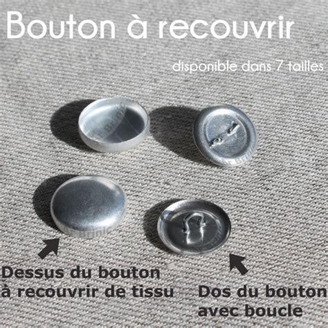 recouvrir un canapé avec du tissu comment recouvrir un bouton avec du tissu daiit com