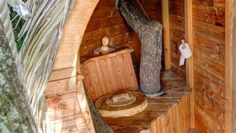 construire des toilettes seches mag la cabane en l airles toilettes s 232 ches un petit coin de paradis perch 233 mag la cabane en