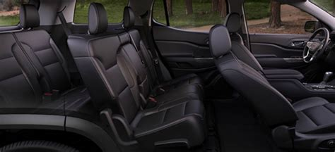 seating capacity    gmc acadia