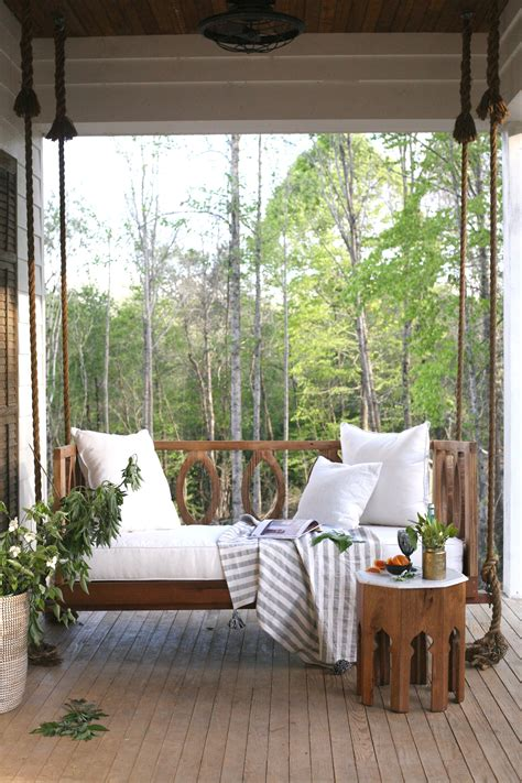 porch swing  mississippi home  gave  life