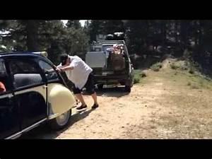 Camping La Panne : 2cv remorquant un camping car en panne suite youtube ~ Maxctalentgroup.com Avis de Voitures