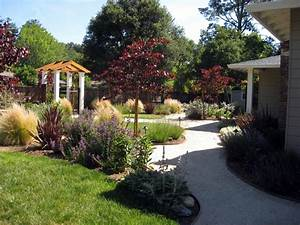 Garden: cool front yard garden ideas Front Of House