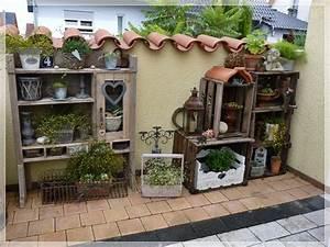 weinkisten im garten hier gibts inspirationen diy With französischer balkon mit wohnen und garten landhaus abo