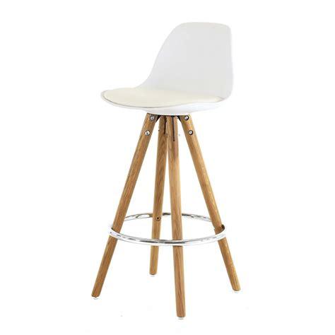 chaise plan de travail chaise plan de travail blanche trépied en bois scandinave