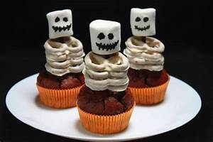 Halloween Muffins Rezepte Mit Bild : halloween skelett muffins rezept ~ Frokenaadalensverden.com Haus und Dekorationen