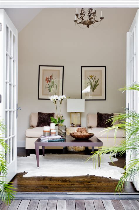 Cowhide Decorating Ideas by Sumptuous Cowhide Rug Decorating Ideas For Living Room