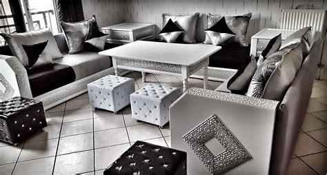 canapé cuire convertible salon gris fonce et blanc