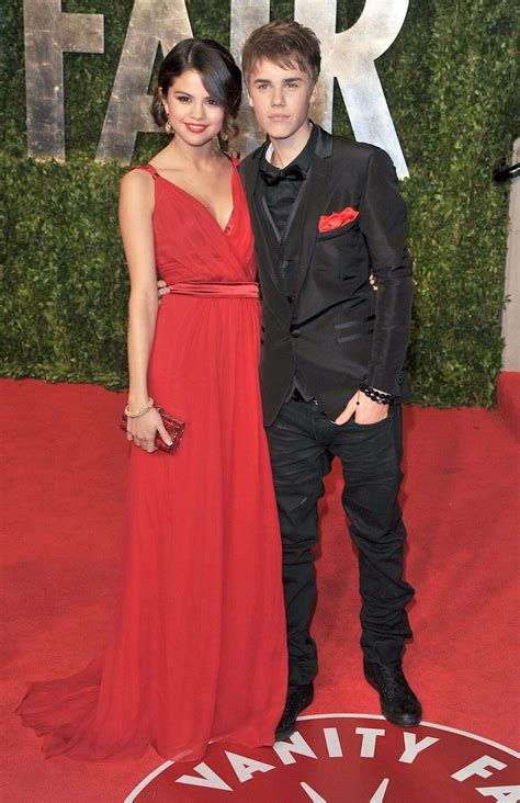 A Complete History of Justin Bieber & Selena Gomez's On ...