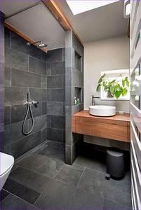 Holz Für Badezimmer : badezimmer mit holz ~ Frokenaadalensverden.com Haus und Dekorationen