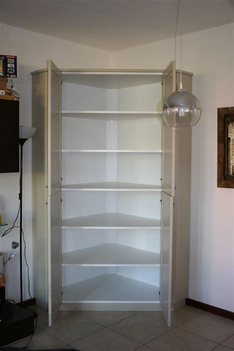 armadio dispensa per cucina dispensa ad angolo in laccato falegnameria de biasi