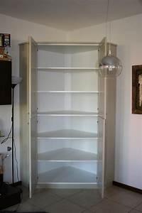 Dispensa ad angolo in laccato falegnameria de biasi for Dispensa ad angolo per cucina