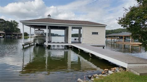 Locate realtors selling lakefront houses and waterfront real estate. Waterfront home on Smith Mountain Lake with dock