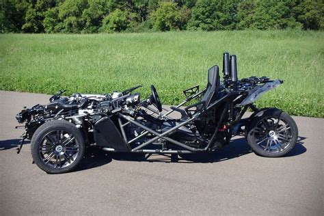 Polaris New Three-wheel Slingshot Is Actually A Belt