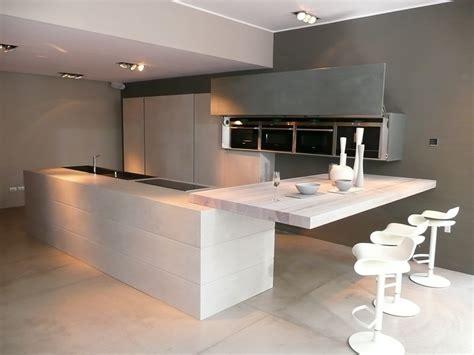 grand ilot de cuisine attrayant cuisine avec grand ilot central 9 ateliers