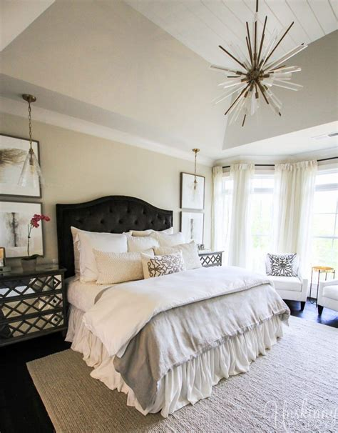 gorgeous master bedrooms gorgeous master bedroom design ideas from the 2017 11707 | fde83bc526bea1d8412eec5c043ff340