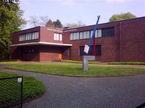 Museum Haus Lange & Museum Haus Esters (krefeld, Germany