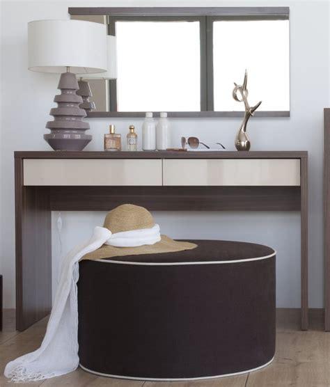 modele de coiffeuse de chambre meuble coiffeuse design pour chambre a coucher tendance