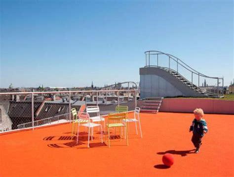 rumah minimalis  lantai  guna  rooftop