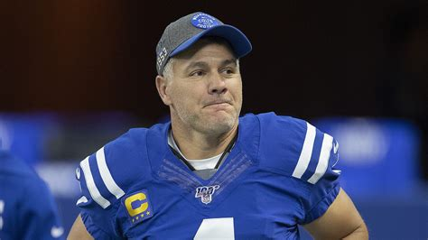 Vinatieri is hoping to return to the nfl for a 25th season, but he hasn't progressed as quickly as hoped from december knee surgery, tom. Colts put kicker Adam Vinatieri on injured reserve
