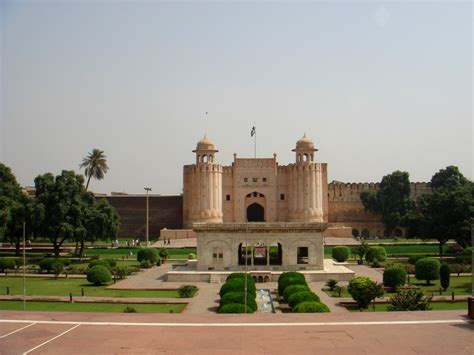 Shahi Qila Lahore Pakistan Wallpapers  Pakistani Tourism