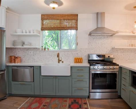 Diy Kitchen Cupboards by 25 Tips For Painting Kitchen Cabinets Diy Network