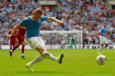 Kevin De Bruyne Keen To Drive Manchester City's EPL Title ...