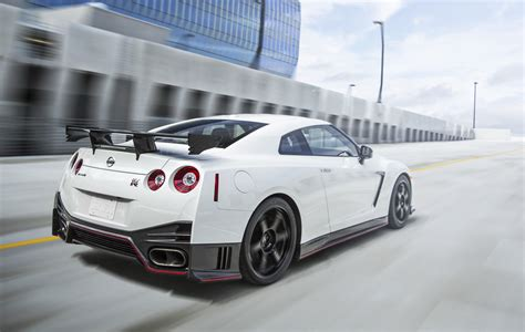 2016 Nissan Gt-r Gets More Power And New Wheels Paul Tan