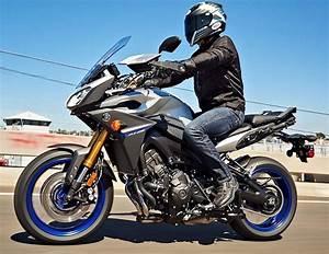 Fiche Technique Mt 09 Tracer : yamaha 850 mt 09 tracer 2016 fiche moto motoplanete ~ Medecine-chirurgie-esthetiques.com Avis de Voitures