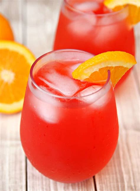 quick and easy hurricane punch cocktail recipe everyone will love