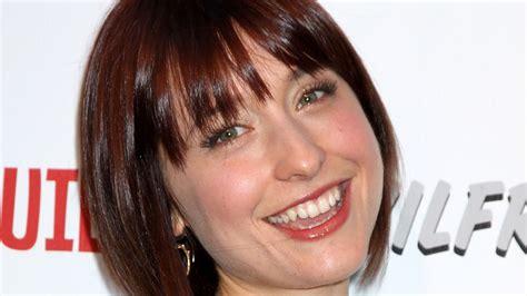 images of allison mack actress ex smallville actress allison mack arrested in sex