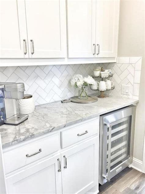 White Kitchen Cabinets And Countertops by 25 Antique White Kitchen Cabinets Ideas That Your