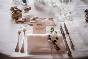 Chic Et Champetre : decoration mariage table salle reception rouge menu kraft chateau desclimont paris chic ~ Melissatoandfro.com Idées de Décoration