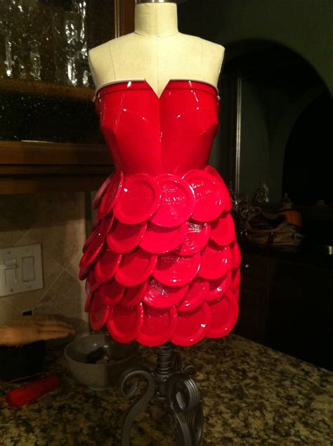 dress     red solo cups