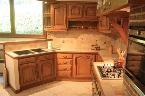 cuisine en chene cuisine rustique en chêne massif sculpté cuisines liebart