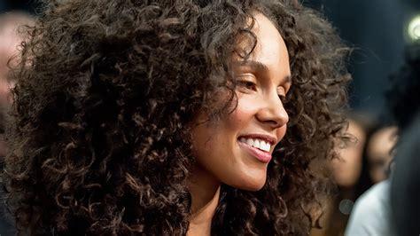 Alicia Keys Admits Her Good, Clear Skin Wasn't Easy