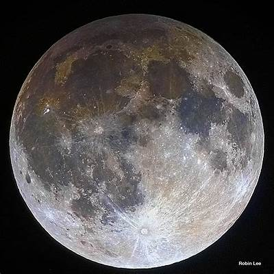 APOD: 2016 October 12 - Penumbral Lunar Eclipse