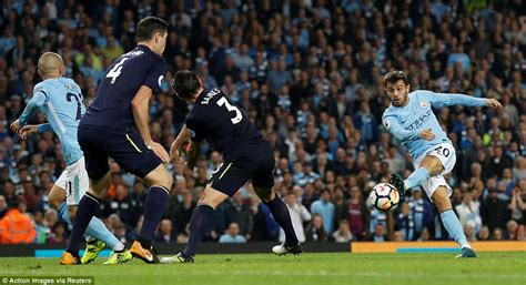 Manchester City 1-1 Everton: Raheem Sterling rescues draw ...
