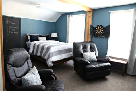 bedroom themes for guys college apartment bedroom decorating ideas photos home attractive