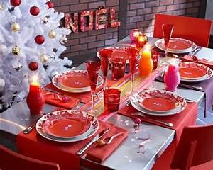 texte pour noel en rouge et blanc With association de couleurs avec le bleu 9 decoration de table ete table fete mariage et