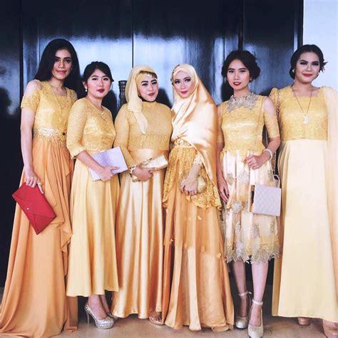 Wanita Dewasa Muda 15 Koleksi Model Kebaya Terkini 2018 Paling Top Contoh Baju Kebaya 2018