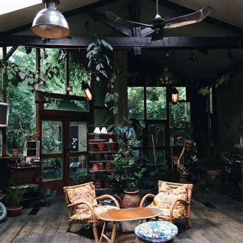 salon au style jardin dhiver avec une ambiance tres