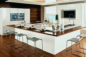 cuisine en u avec table sportsfactoryco With meuble ilot central cuisine 15 limplantation de cuisine en u you