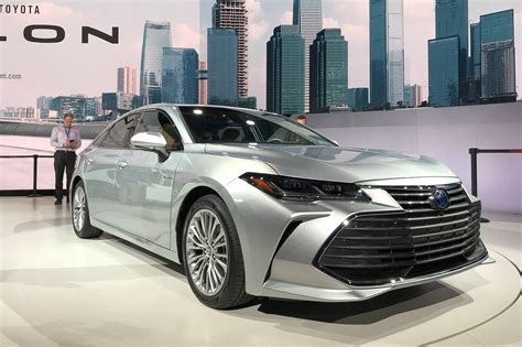 toyota avalon   saloon breezes  detroit