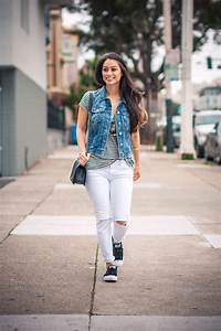 Style Math Outfits You Can Rock With Your White Jeans | Violet Fog