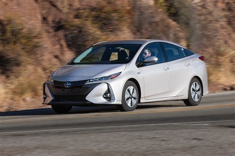 2017 Toyota Prius Prime Advanced Front Three Quarter In