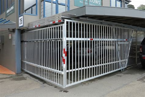 office block auto gate1 gateman
