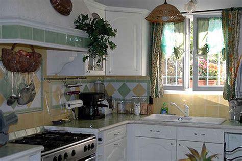 cuisines provencales cuisine provençale photo 1 4 cuisine lapeyre installée